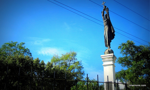 Santo Hermano Pedro Statue
