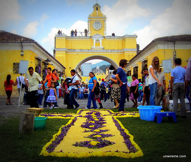 Arco Santa Catalina Alfombra - holy week photos Antigua Guatemala