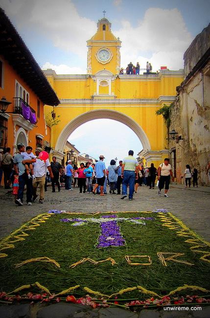 Calle del Arco Near Arco Santa Calina - Antigua Guatemala