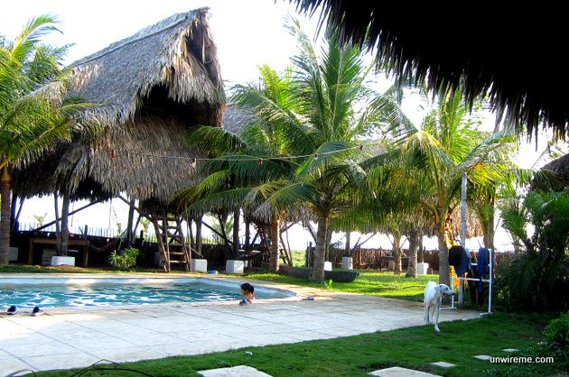 Paredon Surf House pool