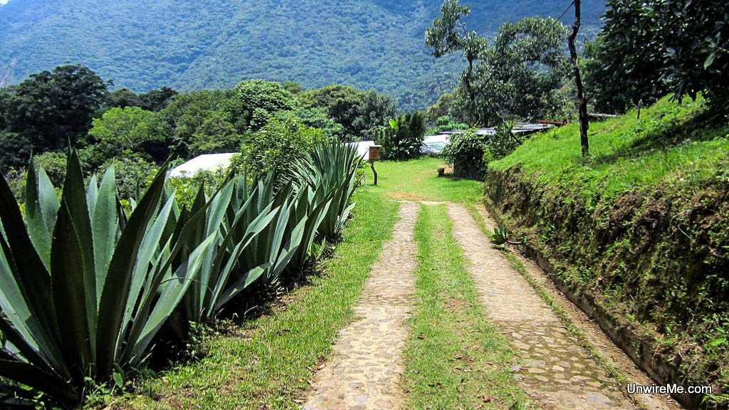 Earth Lodge path Antigua Guatemala