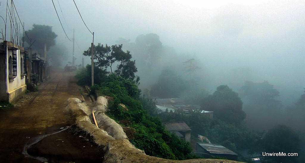 Narrow road, El Hato Village