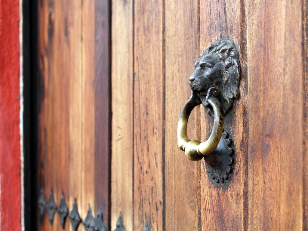 Antigua Guatemala in Color & Antigua Guatemala in Color: Doors of Antigua - OkAntigua.com Pezcame.Com