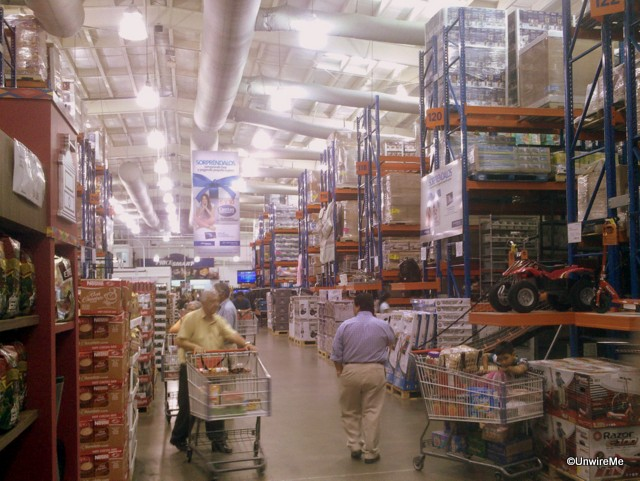 Aisles at PriceSmart Guatemala