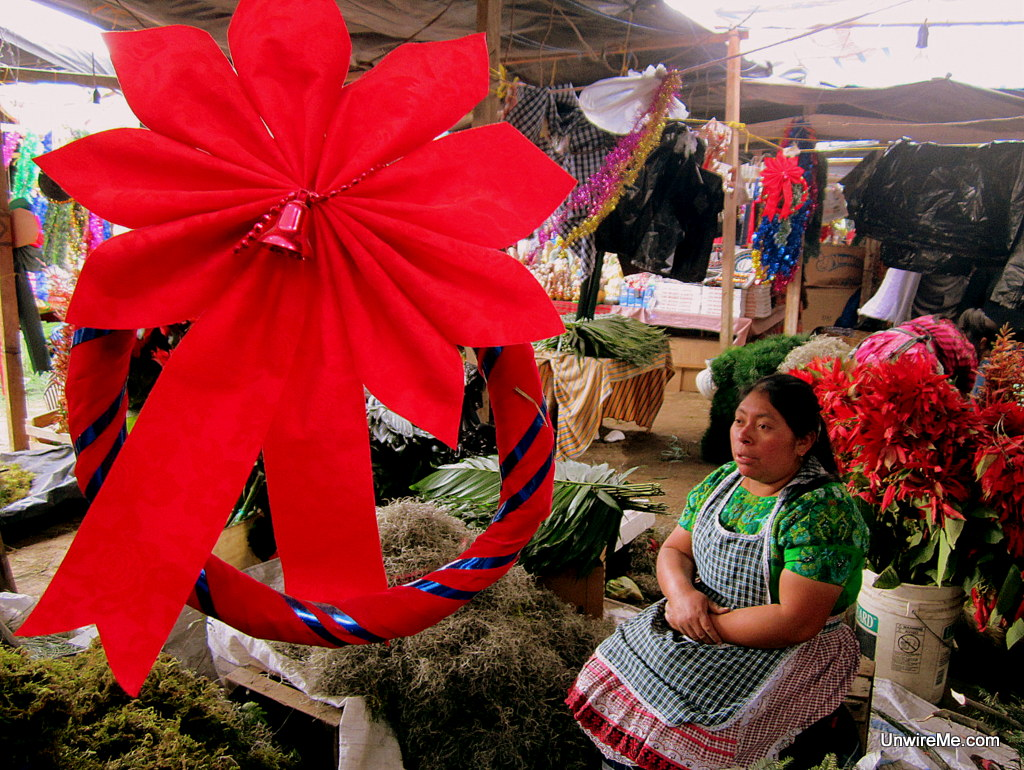 Christmas in Guatemala: Christmas' Eve Shopping at The Mercado ...