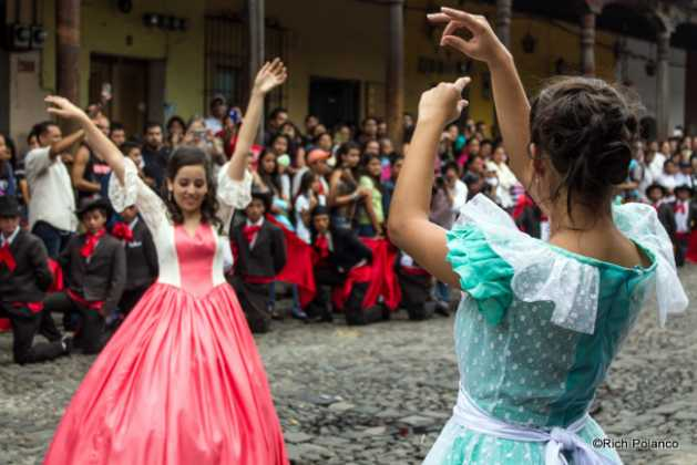 Spanish Flamenco dancers in Antigua guatemala