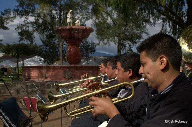 Musicians at Festival del Nispero