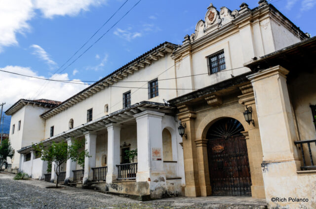 Main entrance to Palacio del Obispo