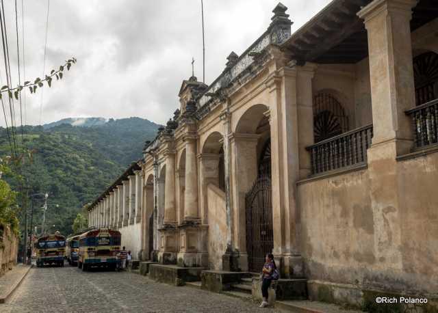 Massive Palacio del Obispo