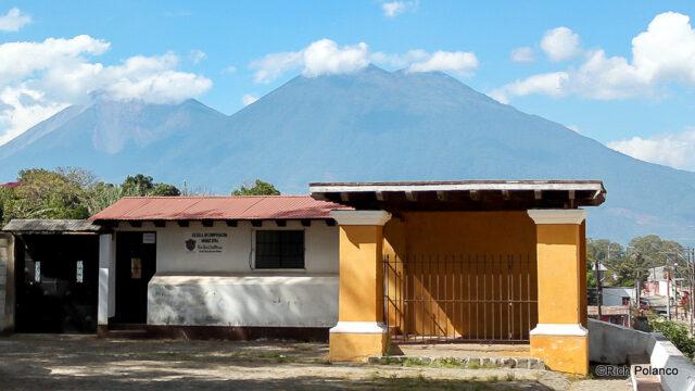 Plaza San Juan del Obispo Guatemala