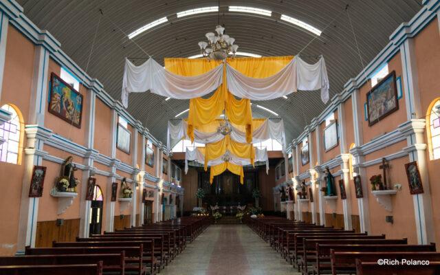 interior of Santiago Sacatepequez church