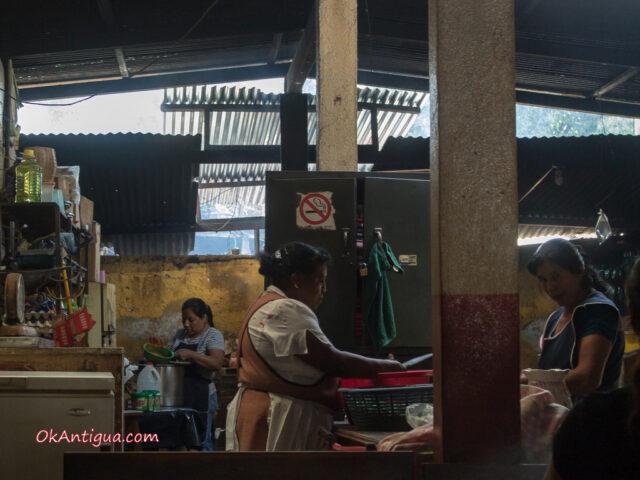 Guatemalan kitchen comedor