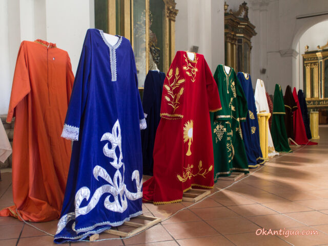 Vestimentas Jesus del Desamparo Catedral San Jose Antigua Guatemala